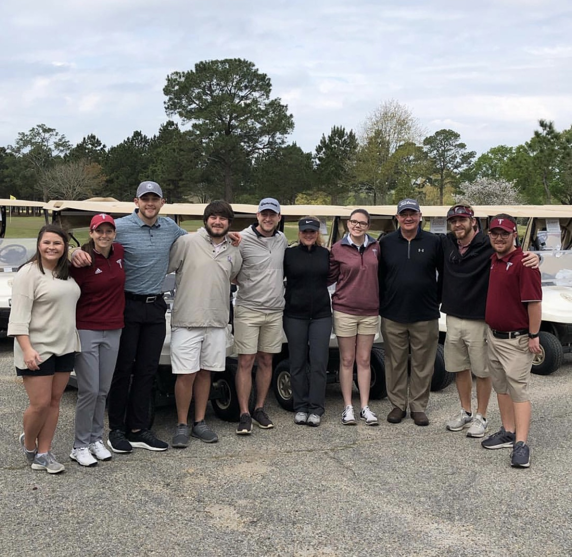 HSTM students who organized golf tournament