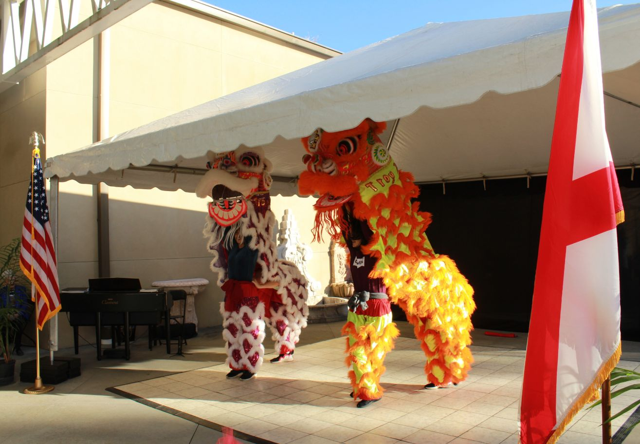 Visiting Scholars perform the traditional lion dance.