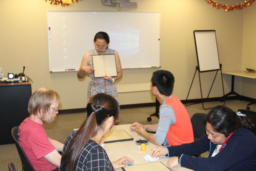 Jing He presented about basic knowledge of Chinese go