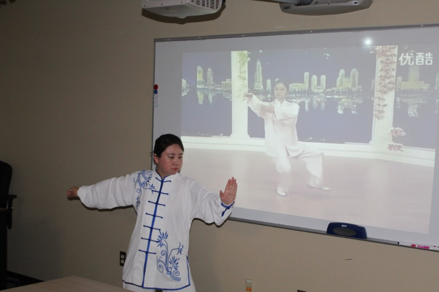 Li Wei demonstrated Taichi moves