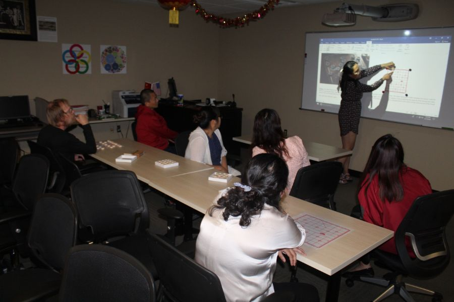 visiting scholar presented about basic chinese chess knowledge
