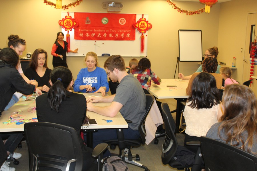 troy students participated in Chinese knot workshop