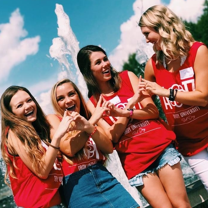 Alpha Omicron Pi sisters at Troy University
